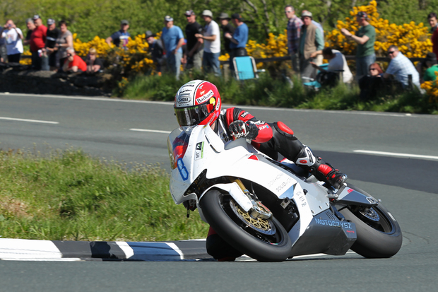 PACEMAKER, BELFAST, 5/6/2013: Michael Rutter (Team Segway Racing MotoCzysz) on his way to victory in the Isle of Man TT Zero Race today. PICTURE BY DAVE KNEEN