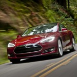 Tesla Motors quietly slips a couple driver assist features into Tesla Model S