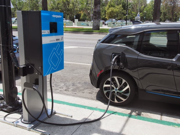 BMW low-cost 24 kW fast charger