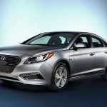 Hyundai unveils 2016 Sonata Plug-in Hybrid to press