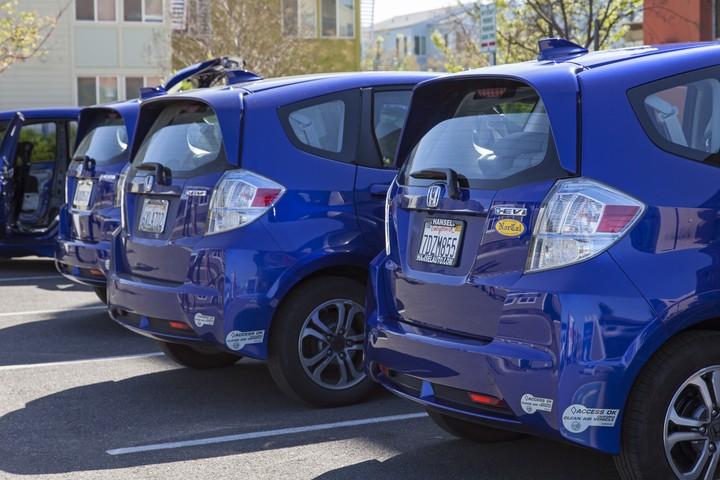 Honda_Fit_EVs_at_Honda_SmartHome_US