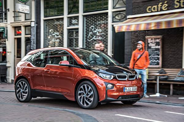 Available Plug-in Electric Vehicles (BEV, PHEV) and Fuel Cell Electric Vehicles