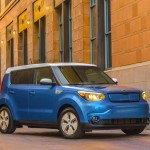 2016 Kia Soul EV lowers base price, panoramic sunroof option, has wider availability