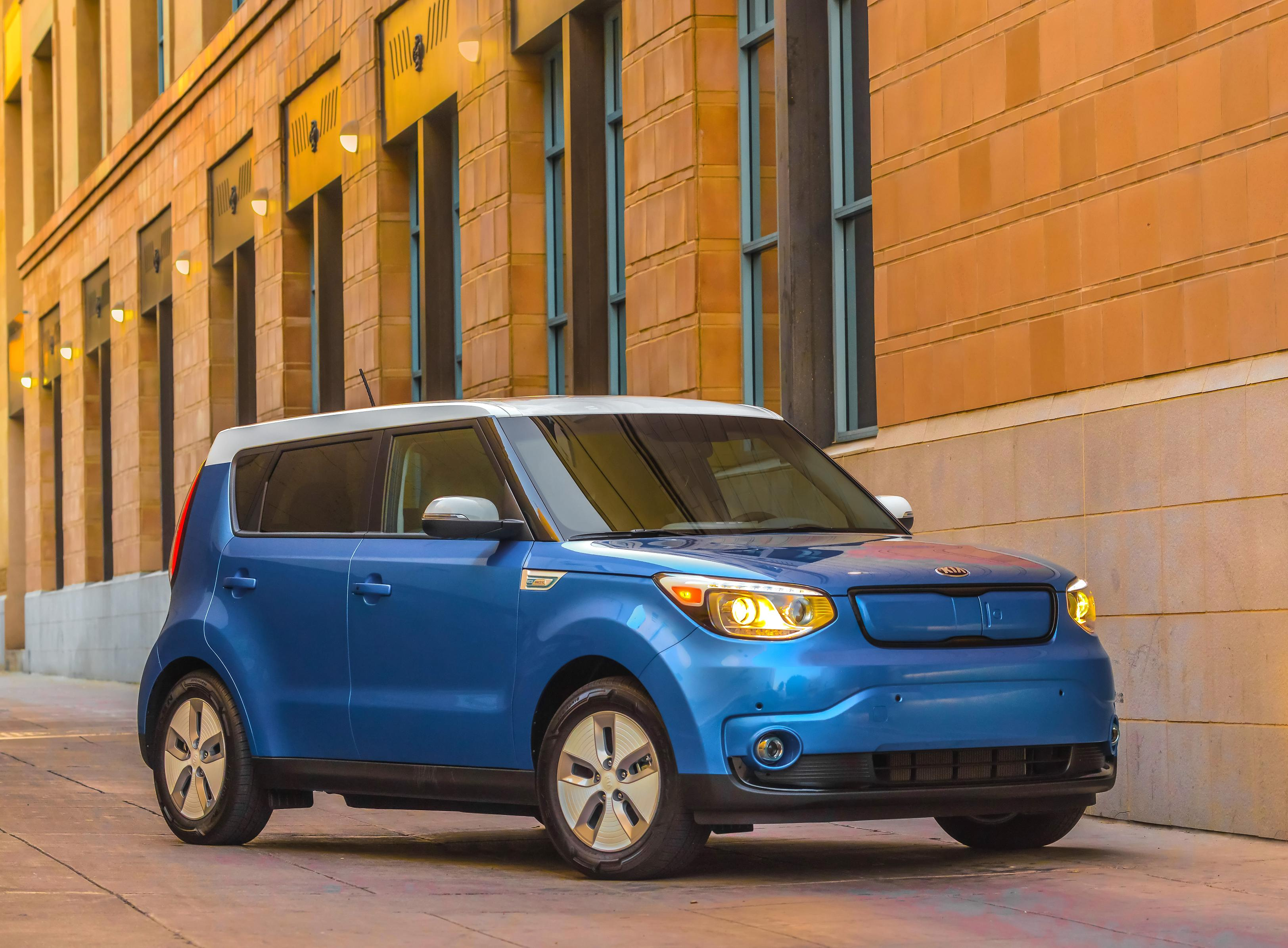 2016 Kia Soul EV details released as Kia builds infrastructure in