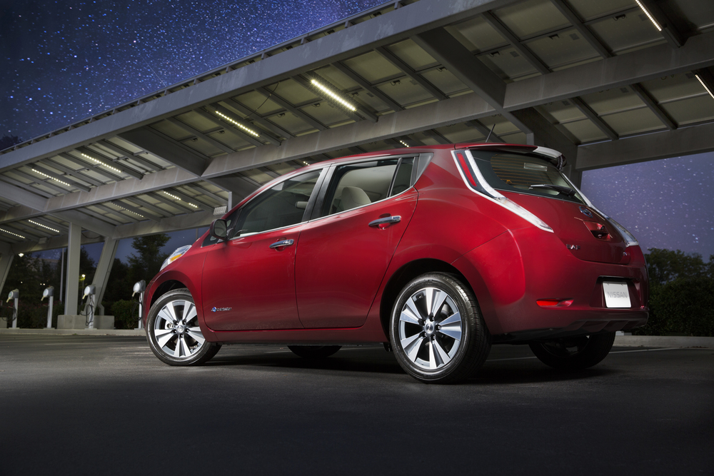 For the 2016 model year, LEAF adds a number of significant enhancements - beginning with a new 30 kWh battery for LEAF SV and LEAF SL models that delivers an EPA-estimated driving range of 107 miles* on a fully charged battery. The range of a LEAF S model is 84 miles, giving buyers a choice in affordability and range.