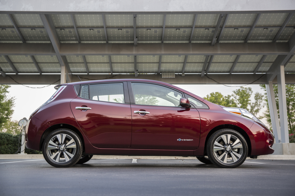 Does Nissan Leaf S Show We Re Waiting For The Bolt Not Necessarily