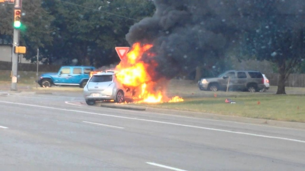 Nissan Leaf catches fire in North Texas – no clear information available