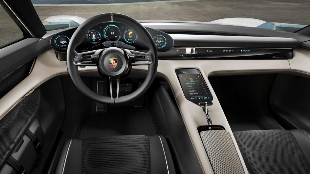 Porsche Mission E, drivers view