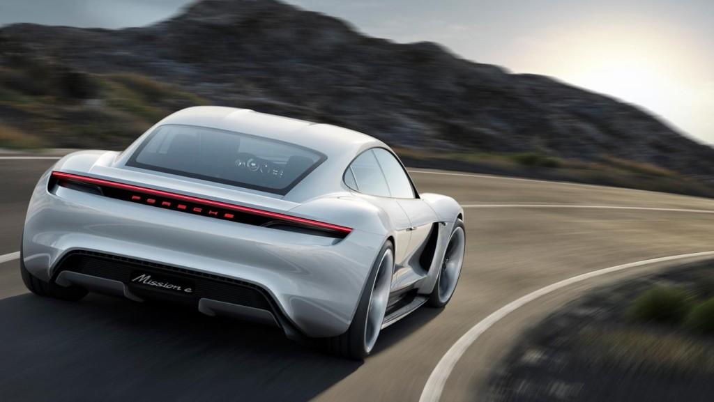 Porsche Mission E, driving