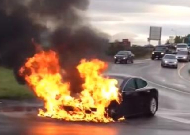 Tesla Model S fire, Kent Washington