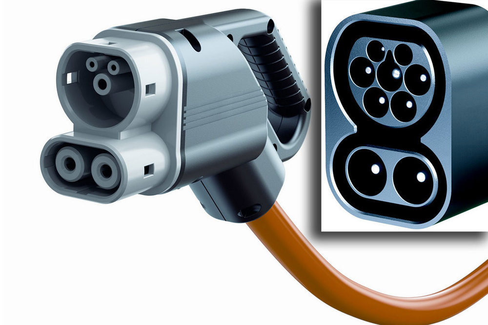 European Combo Type 2 plug adds two DC power pins to normal Type 2 plug