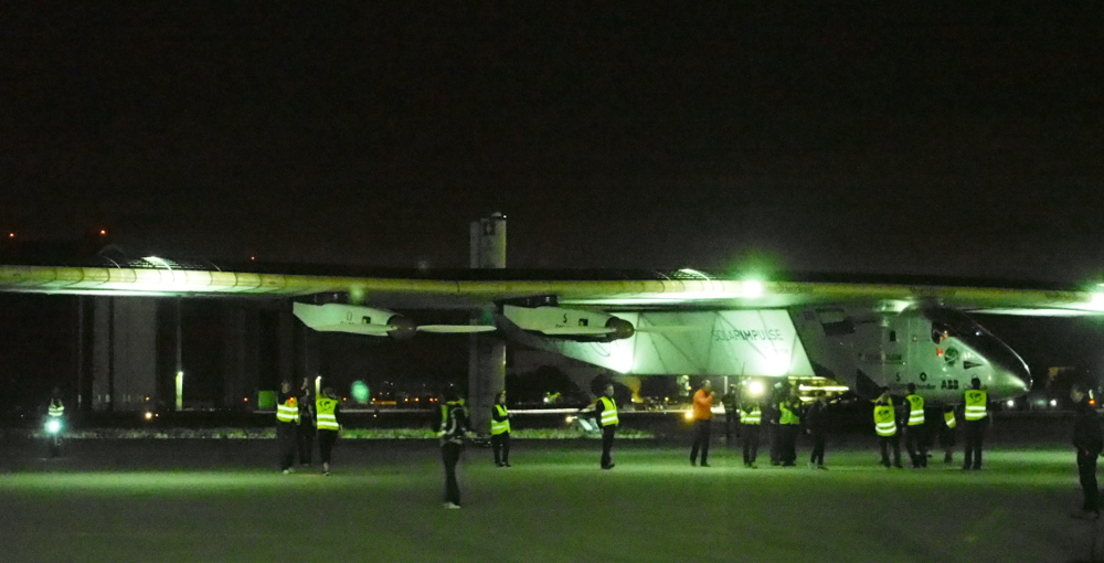 Upon arrival the Solar Impulse was wheeled into place in-front of a crowd of about 400+ invited guests, and about 50 Media. The Media/press was in front, where we were taking pictures and conducting interviews.
