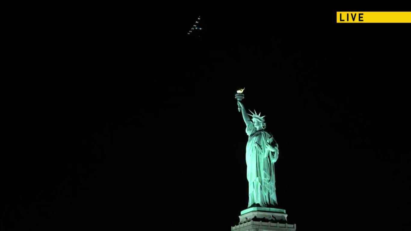 Solar Impulse flying over the Statue of Liberty, courtesy of Solar Impulse Live Stream